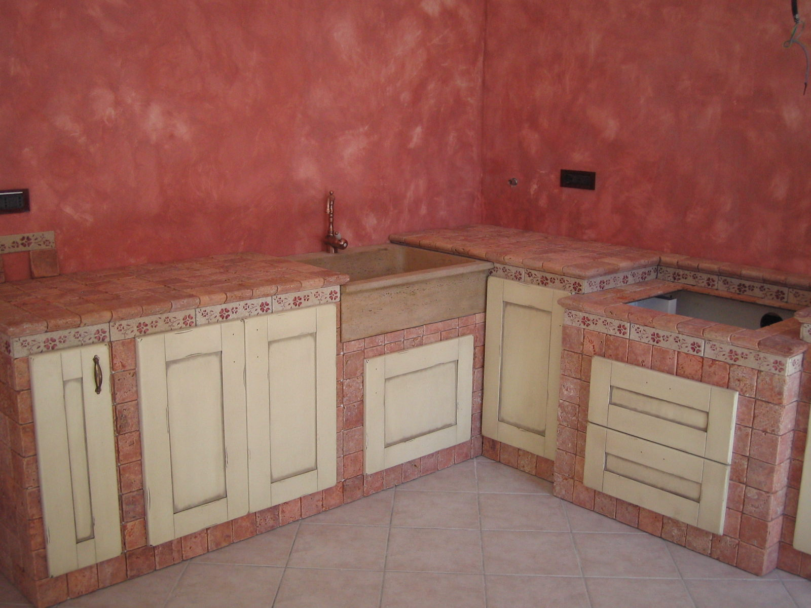 Cucina in muratura cucine muratura prezzi with cucina in for Esempi di cucine in muratura
